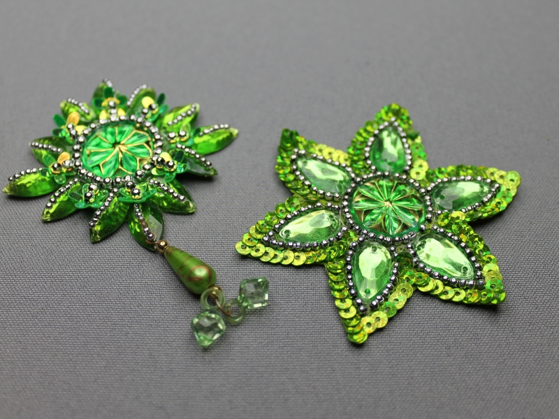 Ster - vormige broches