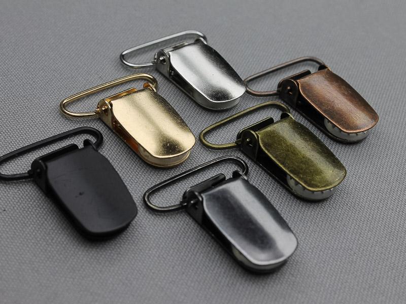 Nieuwe bretel clipsen