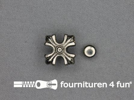 Spikes kruis 20x20mm zilver