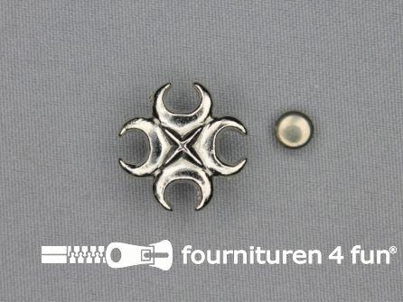 Spikes kruis 22x22mm zilver