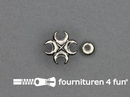 Spikes kruis 16x16mm zilver