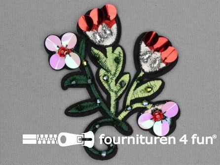 Applicatie met kralen / strass steentjes 98x96mm bloem