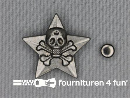 Spikes ster skull 28x28mm zwart zilver