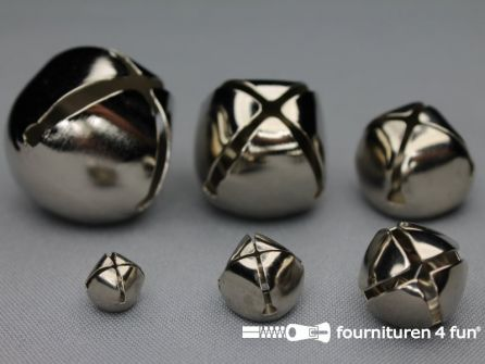 Belletjes 10mm zilver 100 stuks