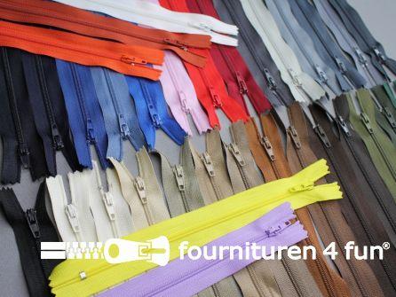 50 stuks nylon ritsen - assortiment lengte 25cm