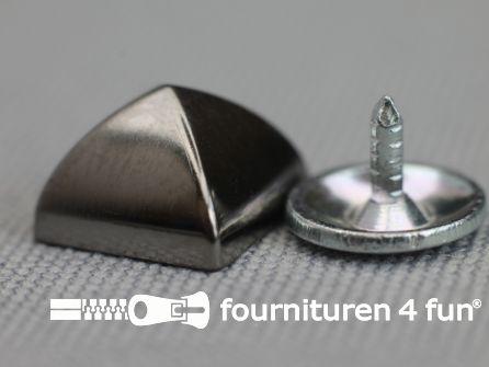 Studs 10mm piramide zwart zilver 10 stuks