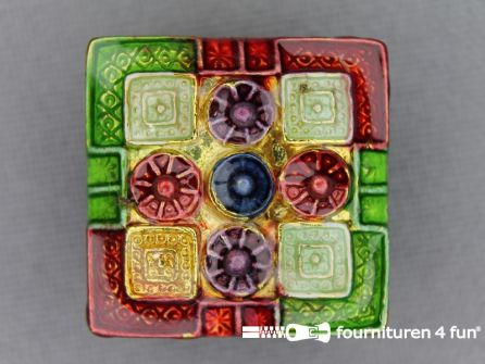 Strass stenen knoop 22mm vierkant multicolor