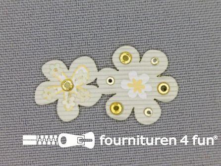 Brocante applicatie 17x32mm bloemen ecru