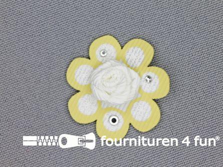 Brocante applicatie 30x30mm bloem wit - licht geel