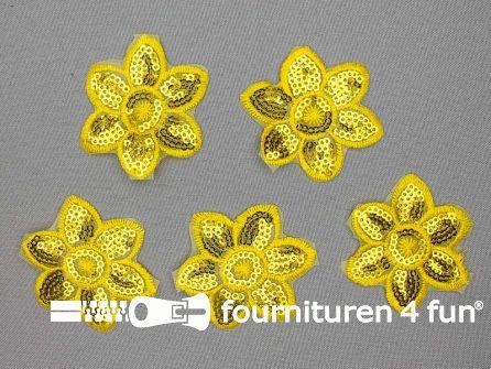 5 stuks pailletten applicatie bloem 52x52mm geel - goud
