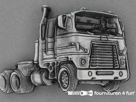 Buckle truck black silver