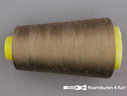 100% polyester Lockgaren 40/2 camel bruin