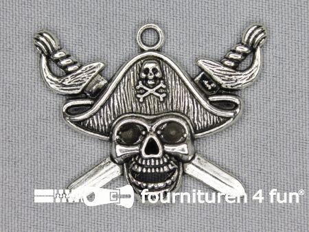 Steampunk hanger 43x35mm piraat zilver